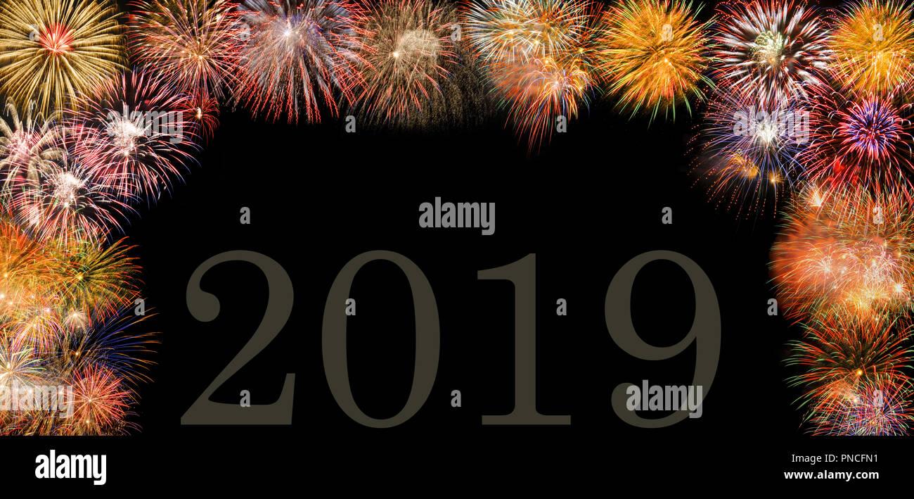Fuegos Artificiales A Silvester Y El Dia De Ano Nuevo 2019 Foto