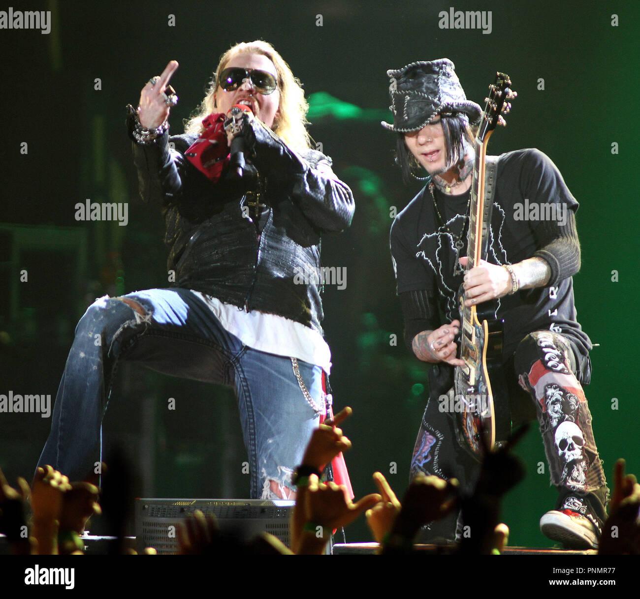Axl Rose y DJ Ashba con Guns N' Roses actuarán en concierto en el ...