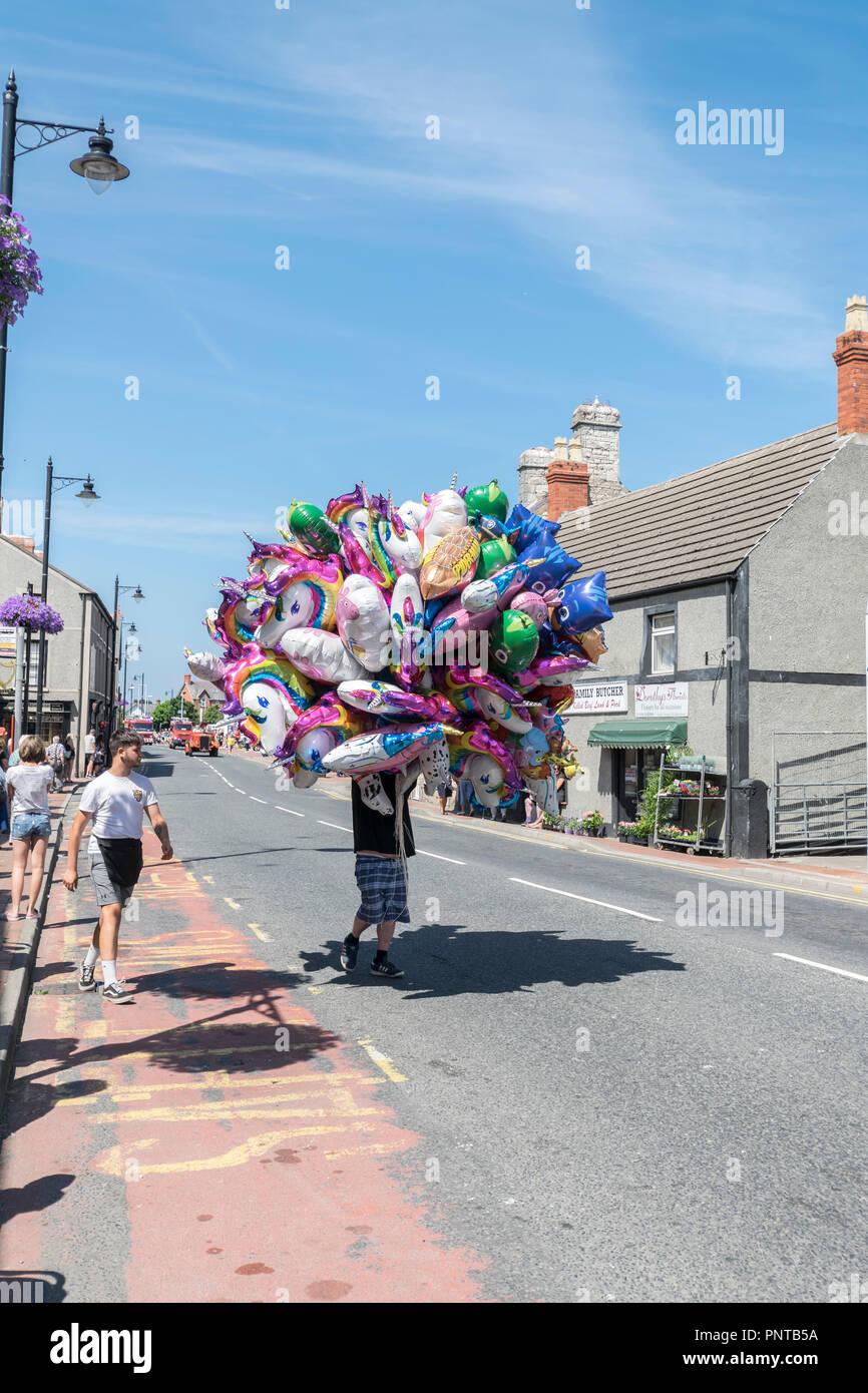Abergele Carnaval y suerte 14 de julio de 2018 en la costa norte de Gales Foto de stock