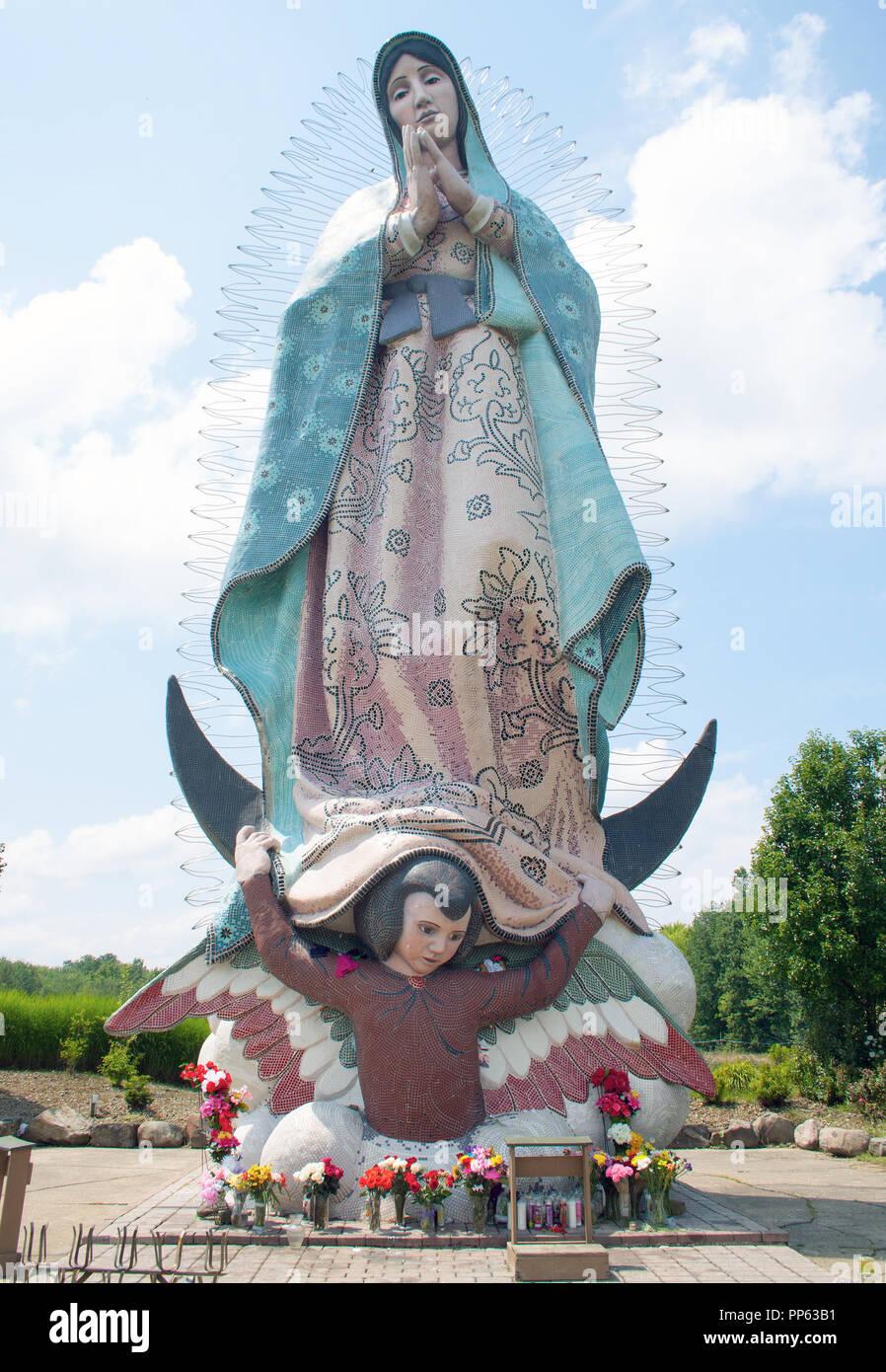 Mas alto del mundo Nuestra Señora de Guadalupe en Windsor, Ohio Foto de stock