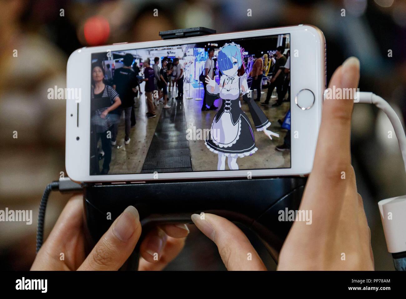 Un Expositor Muestra Un Ar Augmented Reality Holomodels App En Su