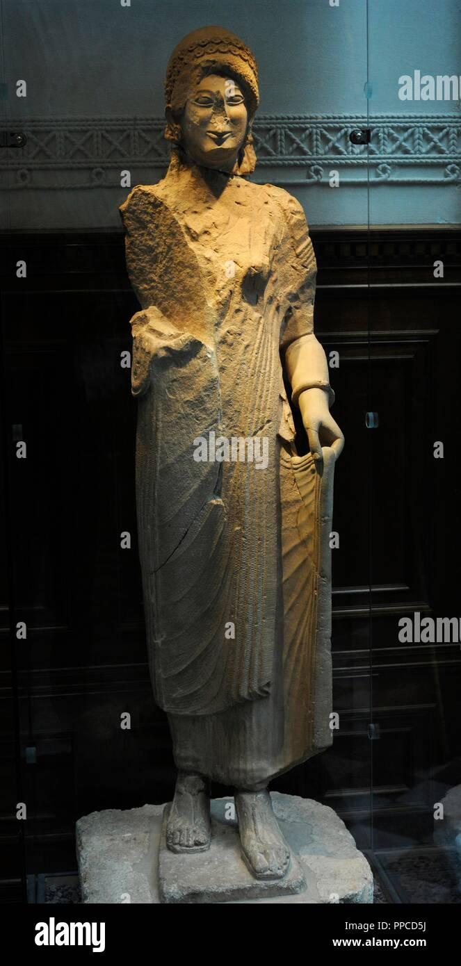 Mujer Manto Joven KoreEstatua De Con Vestido LinochitonY SUzMVp