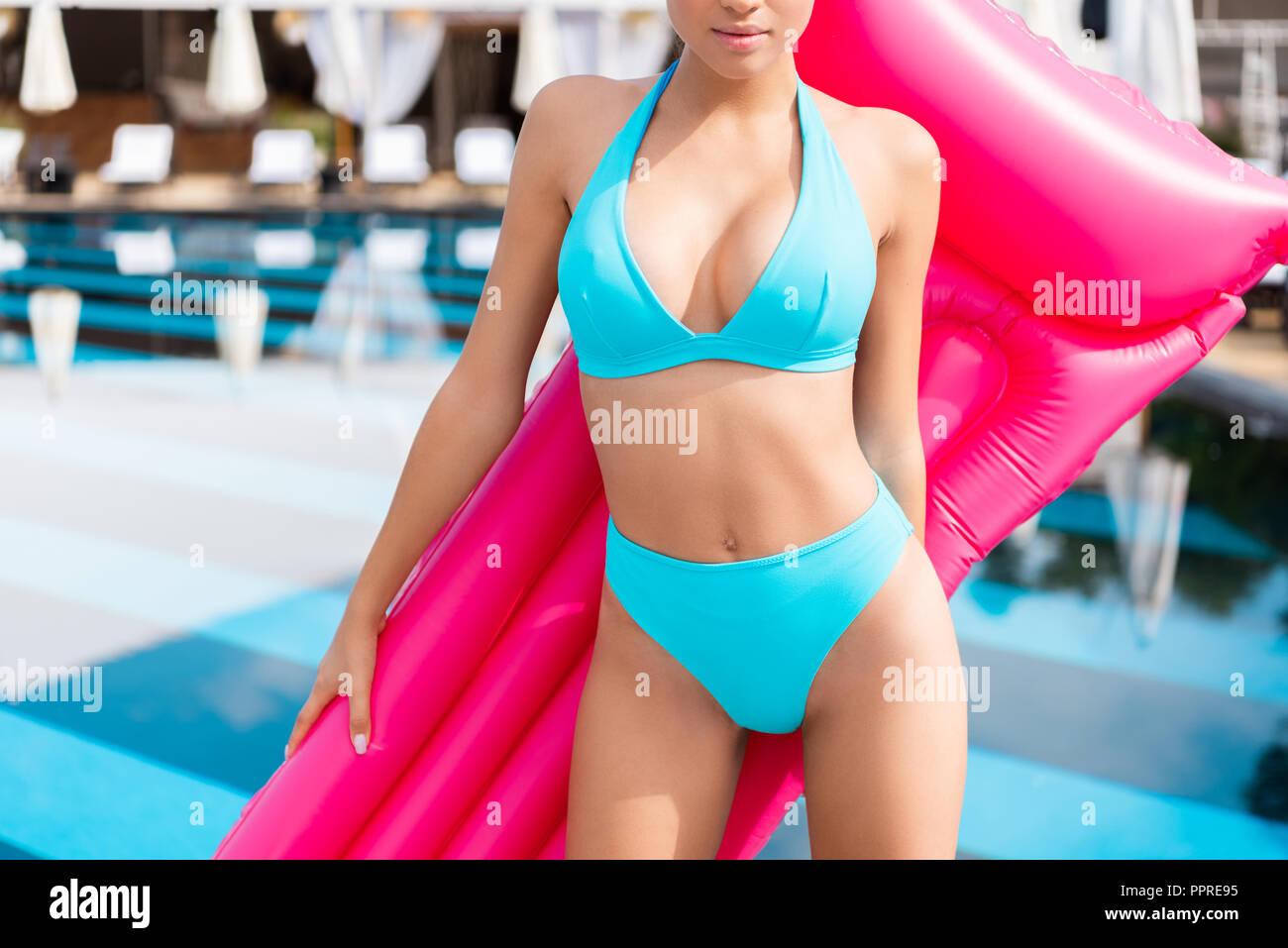 a4e9d0b3bb06 Pink Bikini Swimsuit Imágenes De Stock & Pink Bikini Swimsuit Fotos ...
