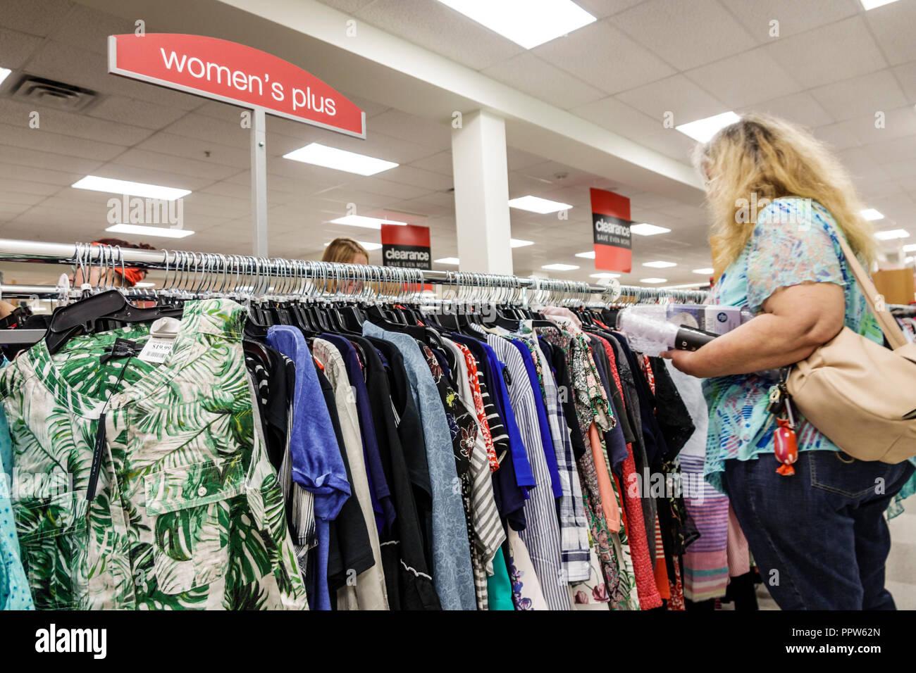 Ropa Para Mujer Mas Tallas Grandes Fotos E Imagenes De Stock Alamy