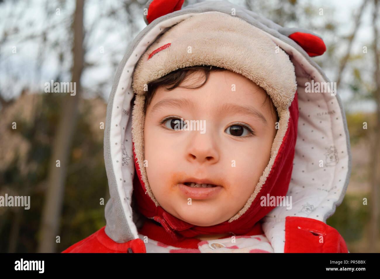 Bebé en otoño Imagen De Stock
