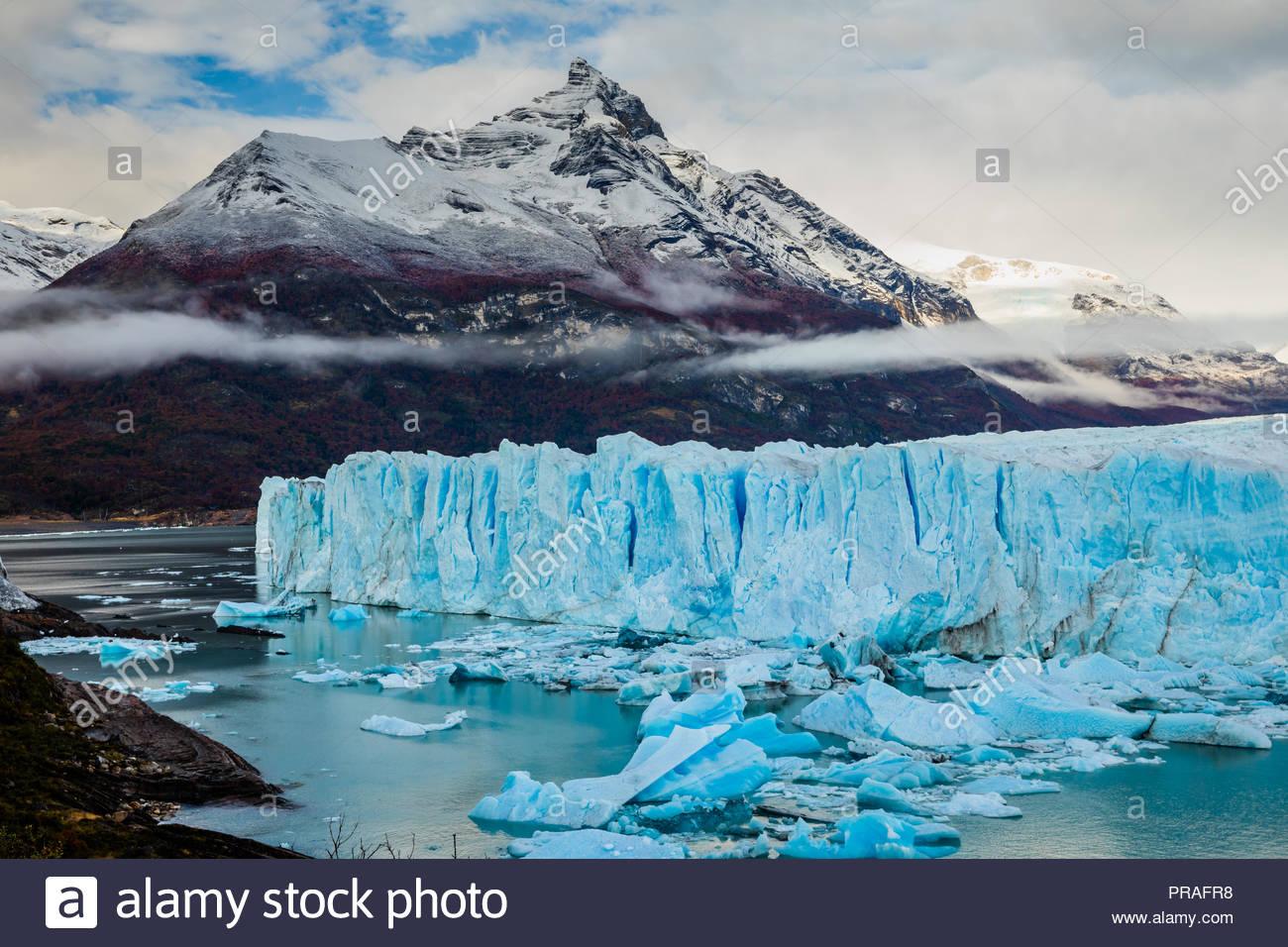 Glaciar Perito Moreno Parque Nacional en otoño. Argentina, Patagonia Imagen De Stock