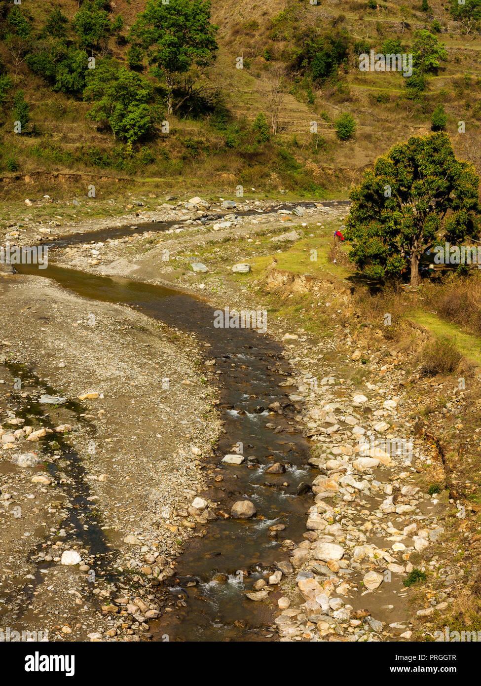 El Río Panar remoto, las colinas de Kumaon, Uttarakhand, India Imagen De Stock