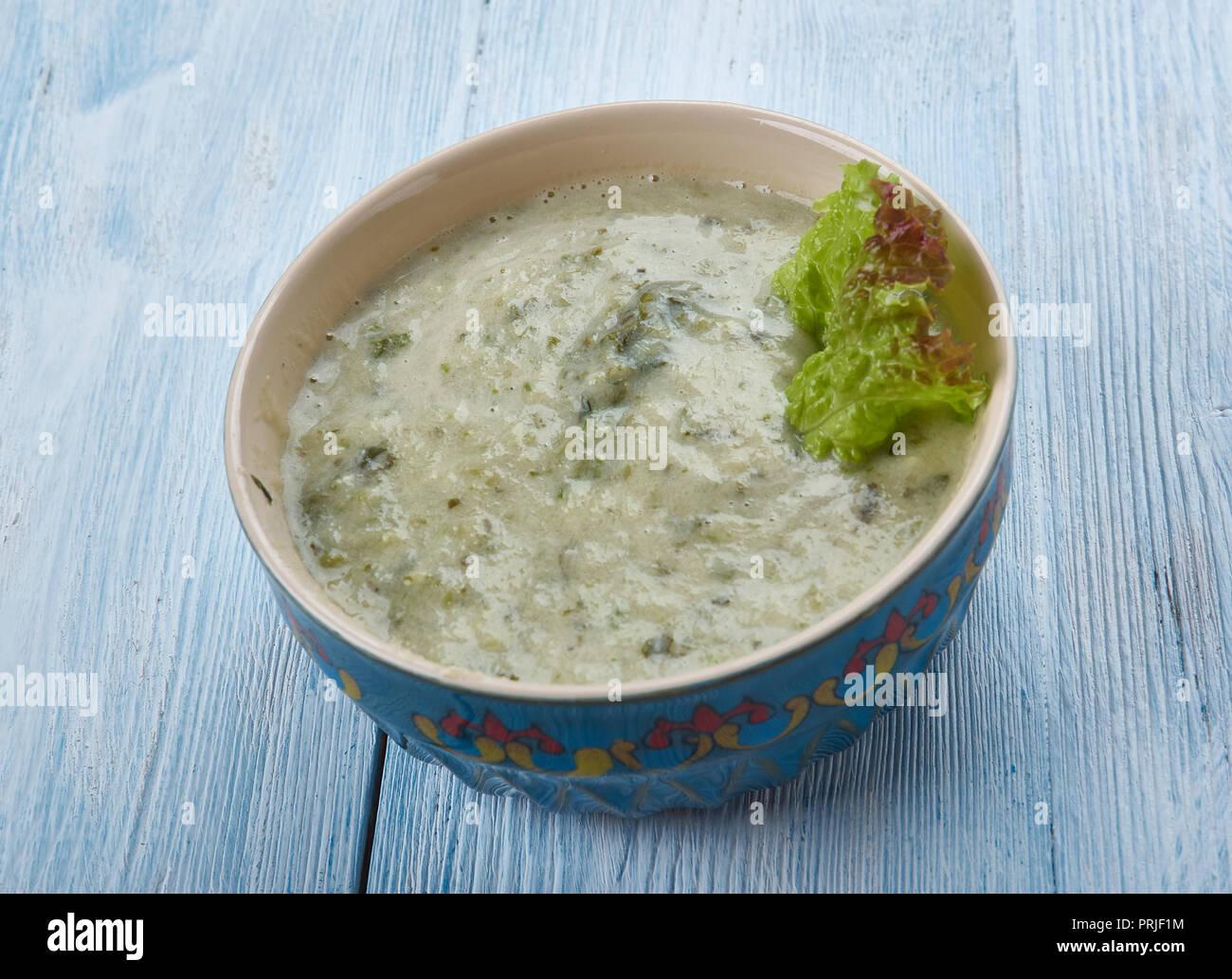 Pithla Bhakri , vegetariana plato tradicional de la India. Foto de stock