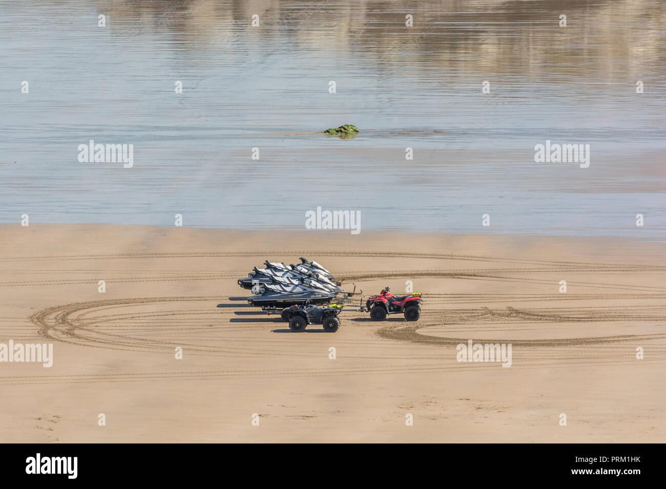 Seaside Holidays Metaphor Imágenes De Stock   Seaside Holidays ... abb9751b2b898