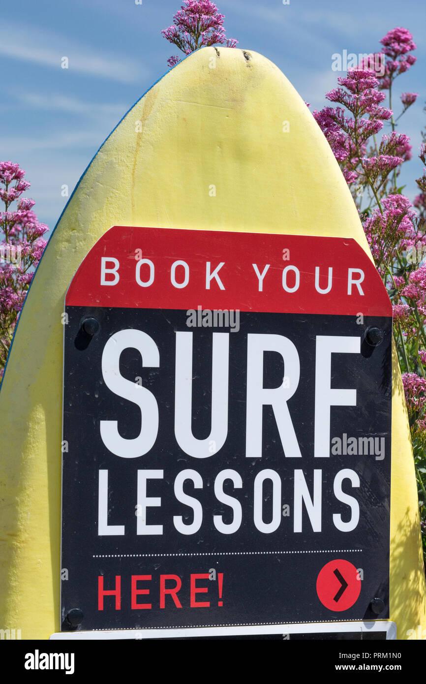 Reflejando el mundo del surf, surf y actividades / lifestyle en Newquay, Cornwall. Casa de Boardmasters. Foto de stock