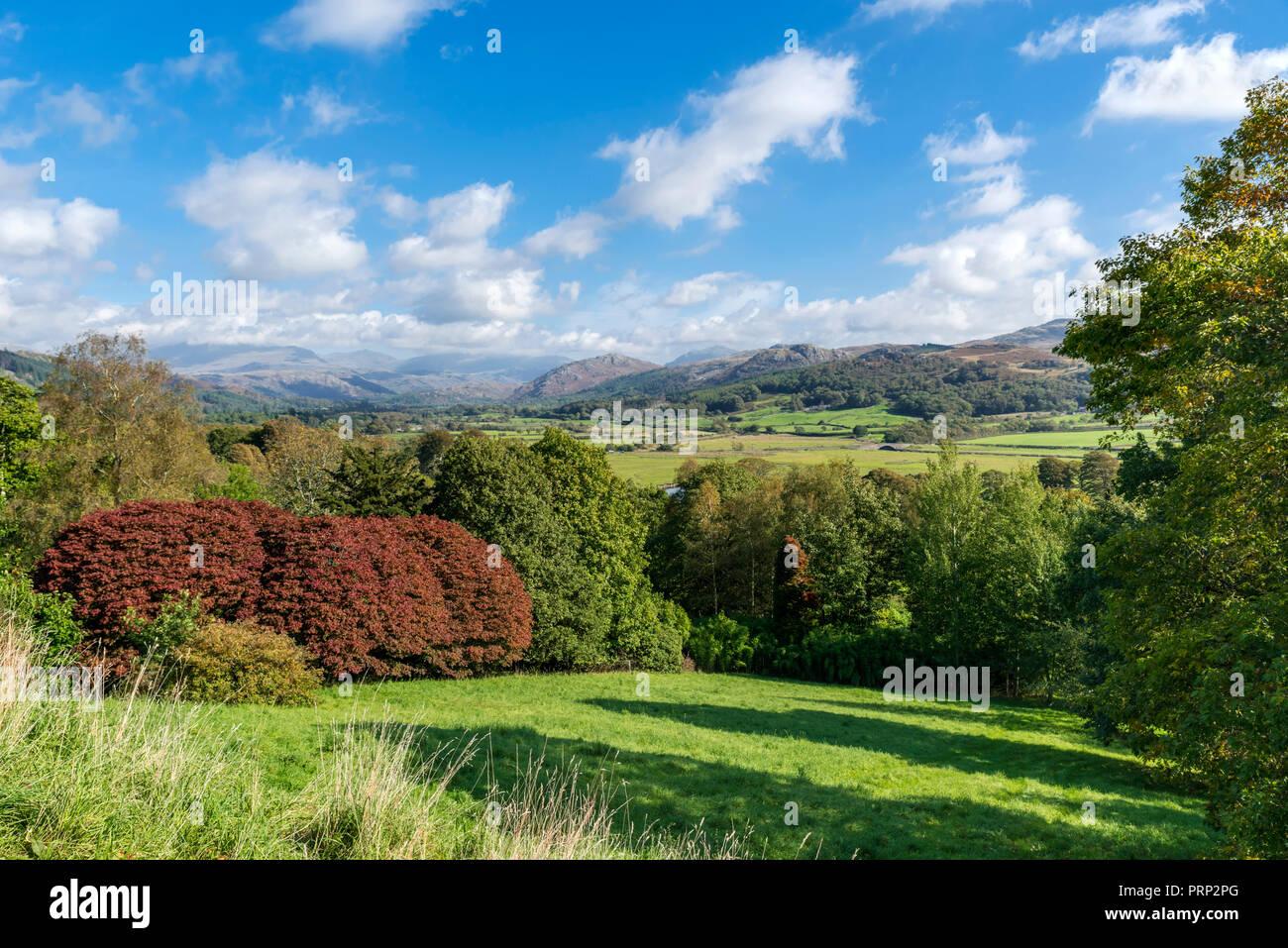 Ver abajo de los motivos de Eskdale Muncaster Castillo, Ravenglass, Lake District National Park, Cumbria, Reino Unido Foto de stock