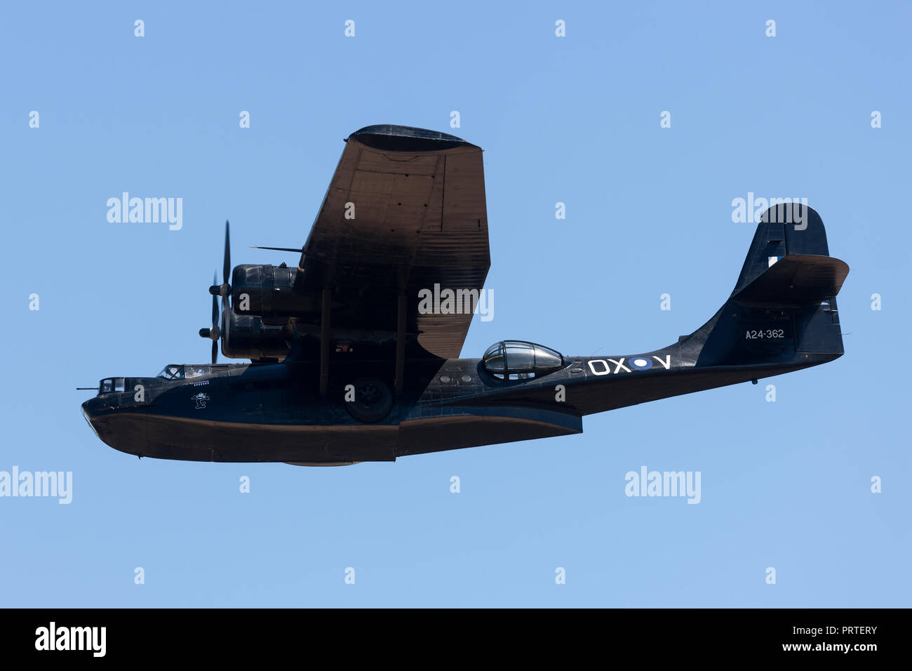 Consolidó la PBY Catalina Flying boat VH-PBZ operado por la sociedad de restauración de aviones históricos (HARS) usando la famosa ÔBlack CatsÕ livery fro Imagen De Stock