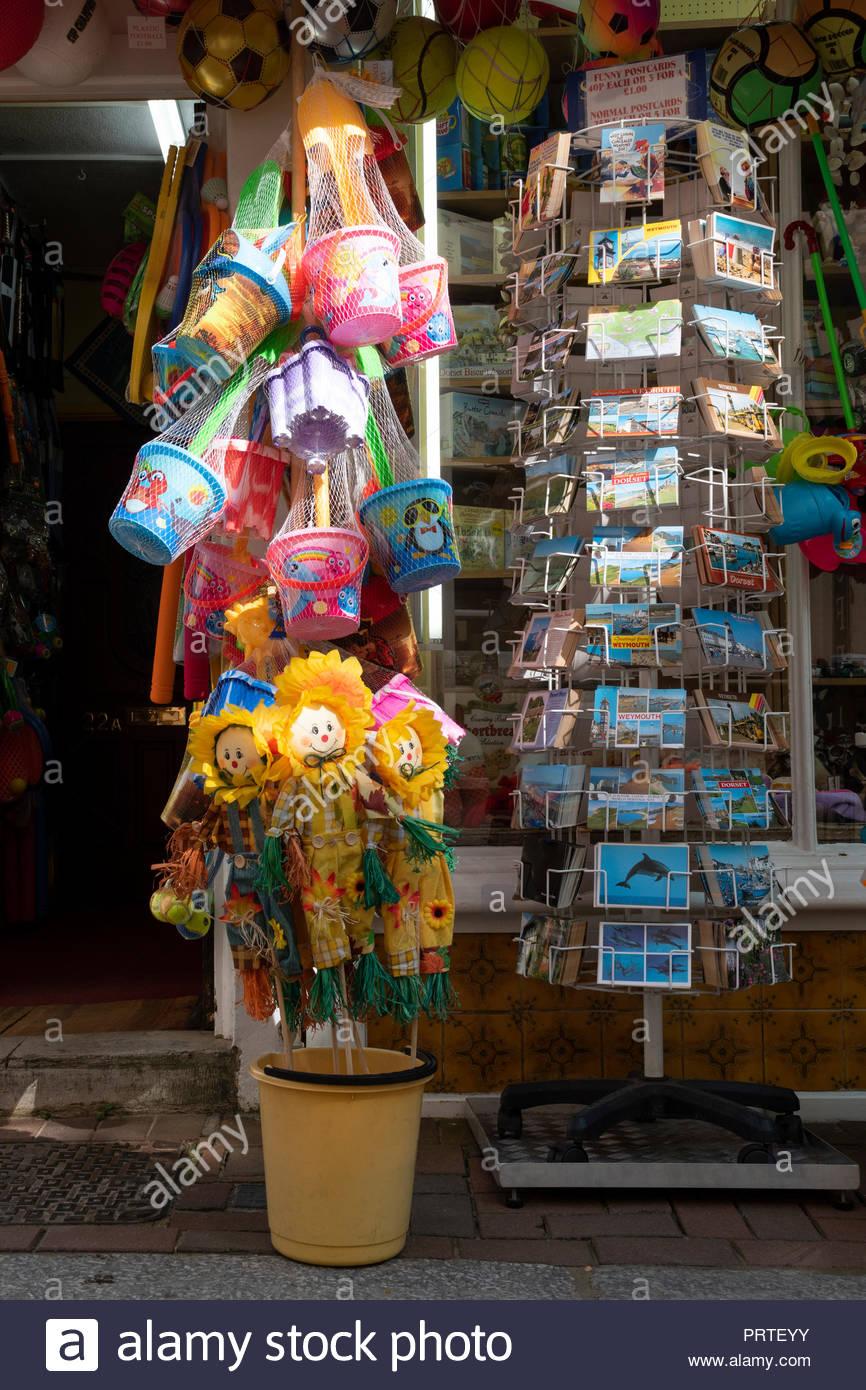 Souvenir Toys Outside Shop In Imágenes De Stock   Souvenir Toys ... c54d0c72d4cb
