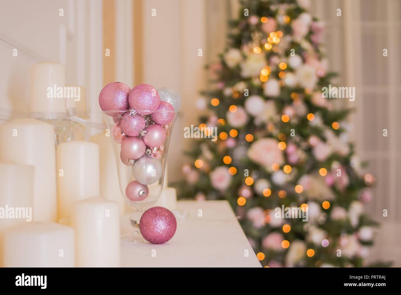 f70430b72c5b Chimenea Blanca Imágenes De Stock & Chimenea Blanca Fotos De Stock ...