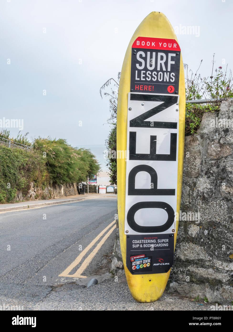 Escuela de surf carteles - hogar de Newquay Boardmasters Festival. Foto de stock