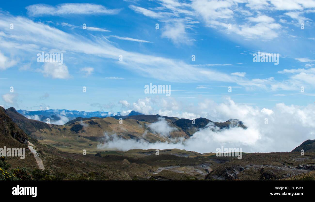 Cordillera de los nevados, cerca de la ciudad de Manizales, Colombia Imagen De Stock