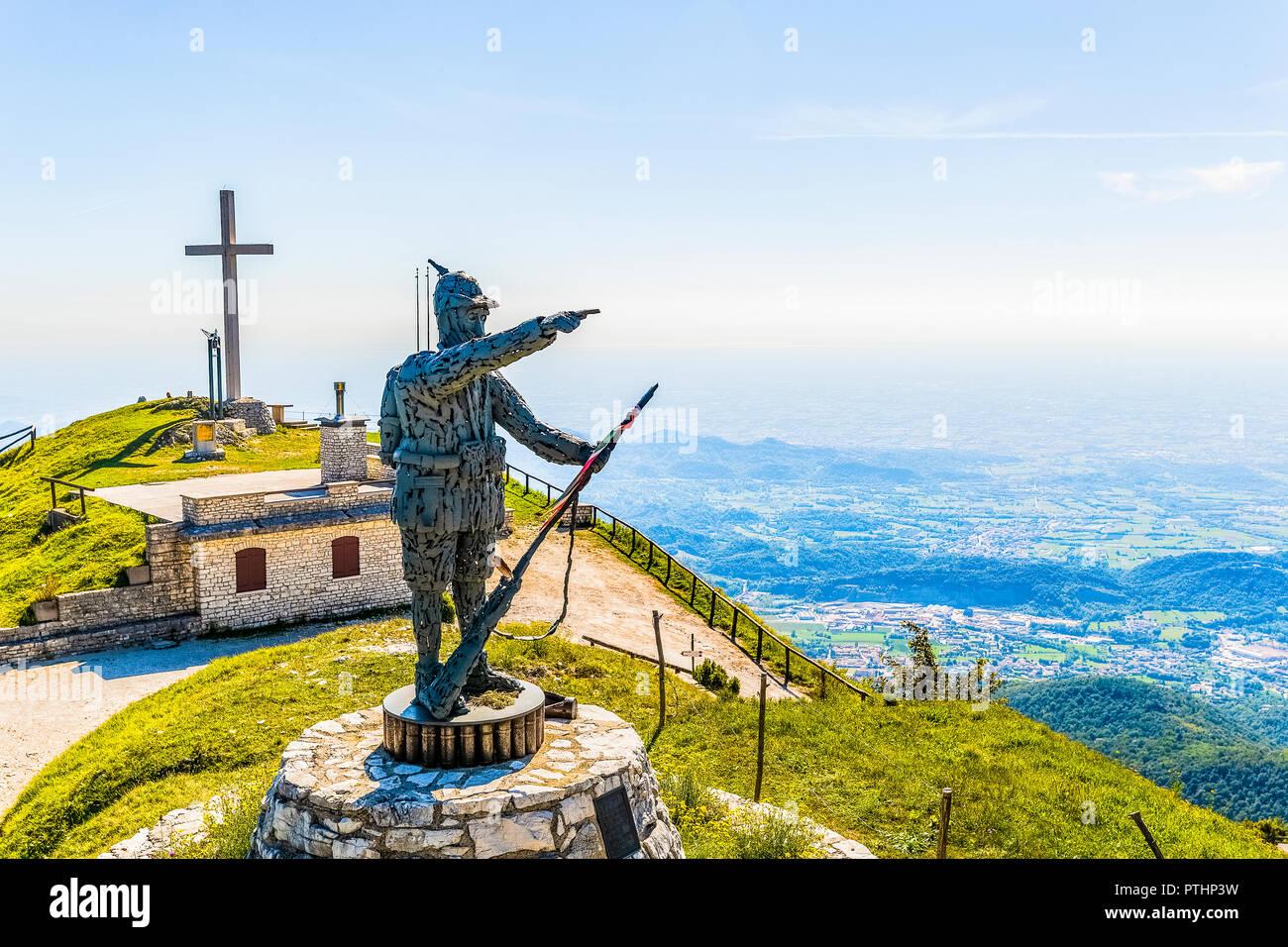 Italia Veneto Monte Grappa - Monte Palon Foto de stock