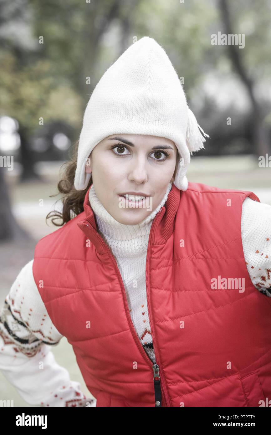 Frau, Retrato, Herbst, 20-30 Jahre, gluecklich Zufriedenheit Frauenportrait,,,,, Gesichtsausdruck Ausgeglichenheit Stimmung positiv, Blick Kamera, él Imagen De Stock