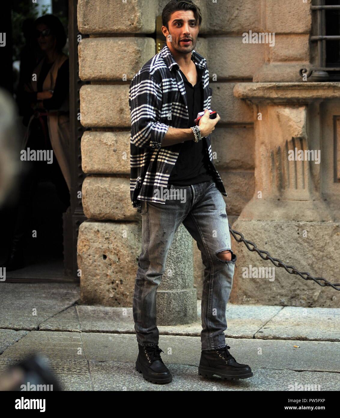Milan Andrea Iannone En El Almuerzo Con La Misteriosa Chica Andrea Iannone Que Muchos Periodicos Dan