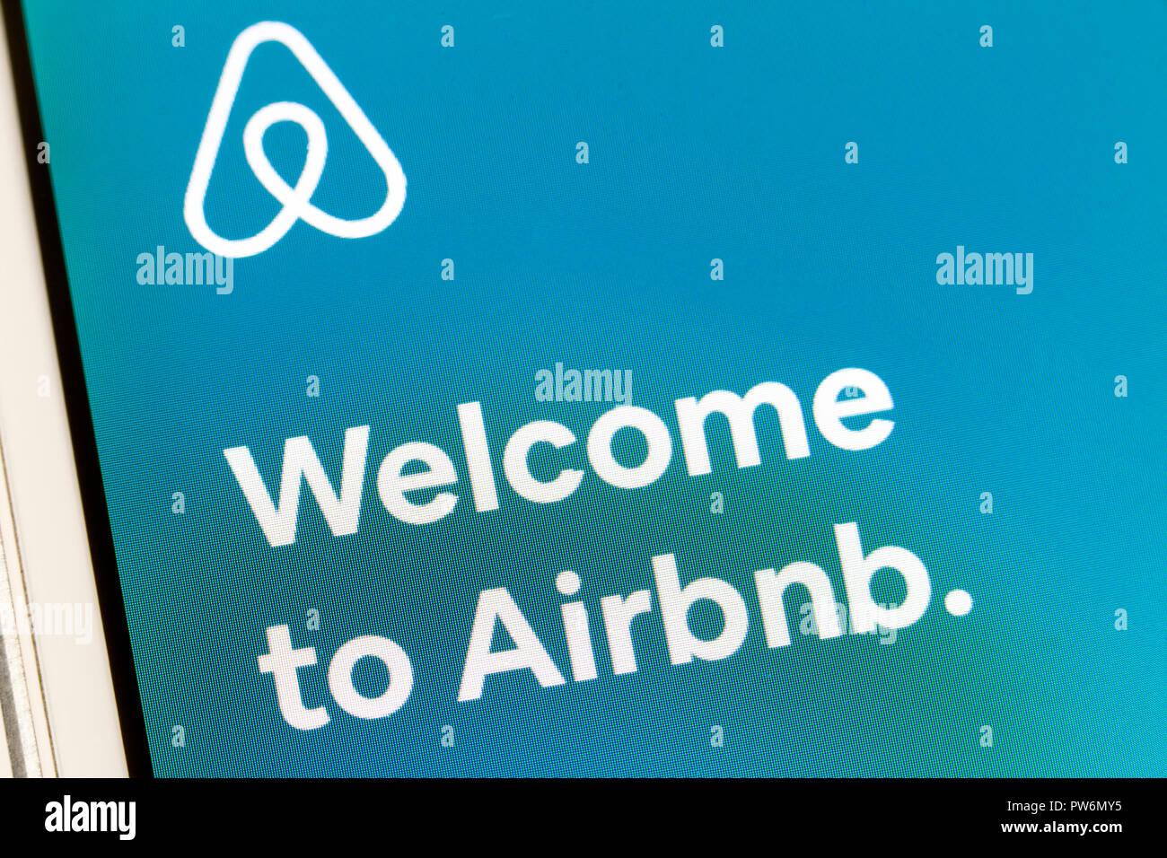 Airbnb app en el iPhone - EE.UU. Imagen De Stock