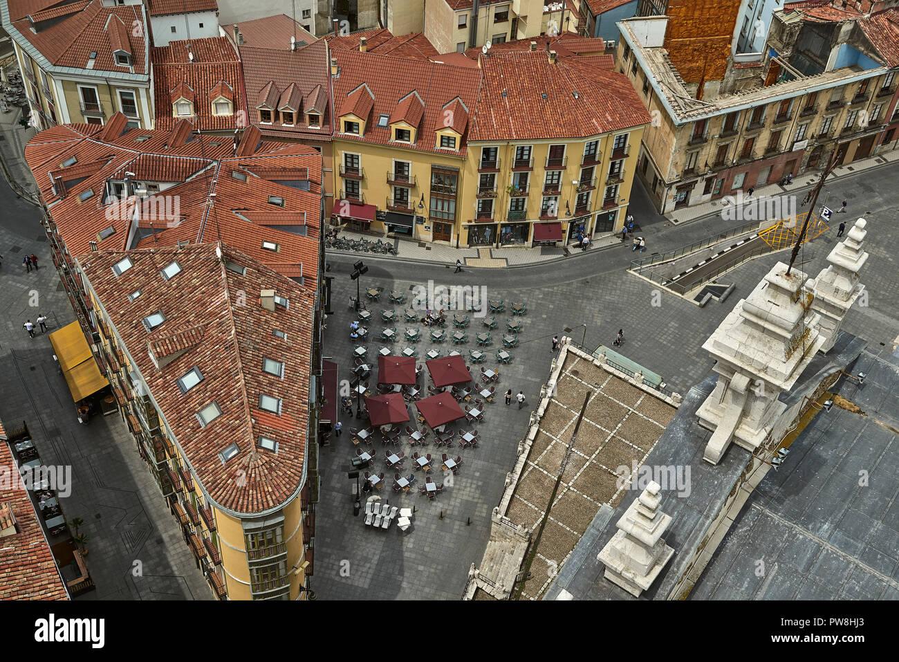 Vista Aérea De Las Terrazas De Los Bares De La Ciudad De