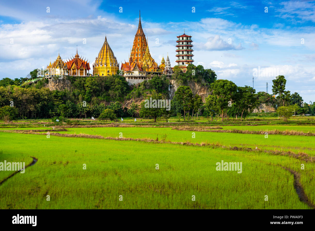 Wat Tham Kao, Kanchanaburi, Tailandia Imagen De Stock