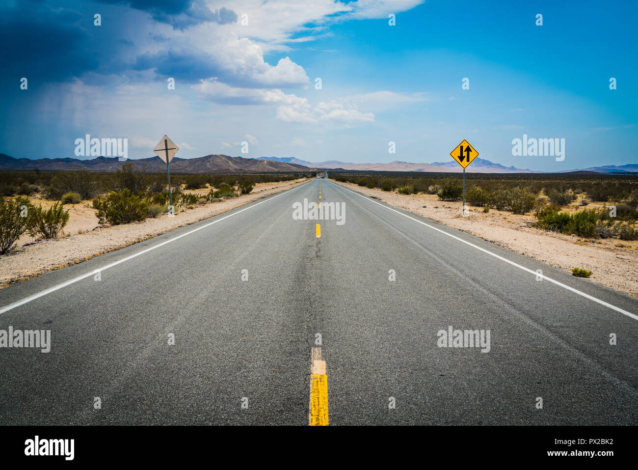 El camino abierto Foto de stock