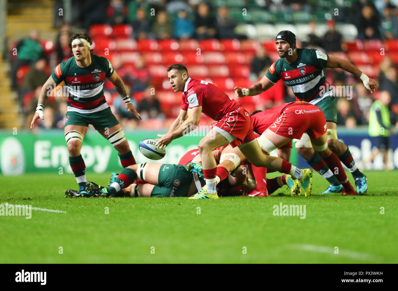Rugby Attack Imágenes De Stock & Rugby Attack Fotos De Stock - Alamy