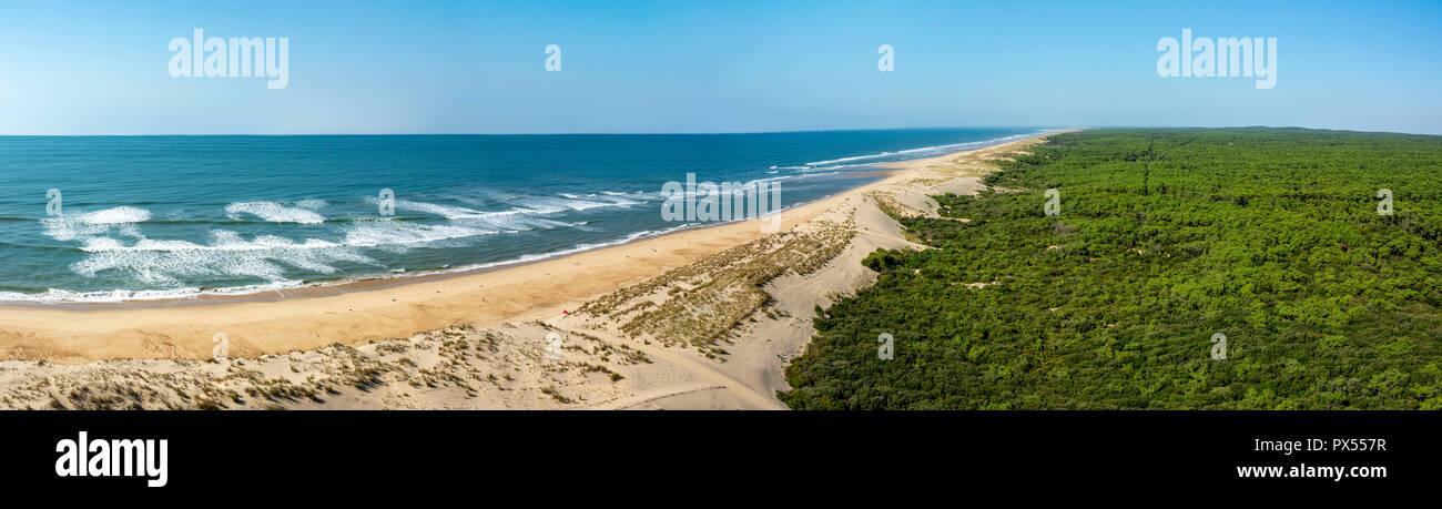 Playa y del océano Atlántico, cerca de el faro de La Coubre, La Tremblade, Charente Maritime, Nouvelle-Aquitaine, Francia Foto de stock