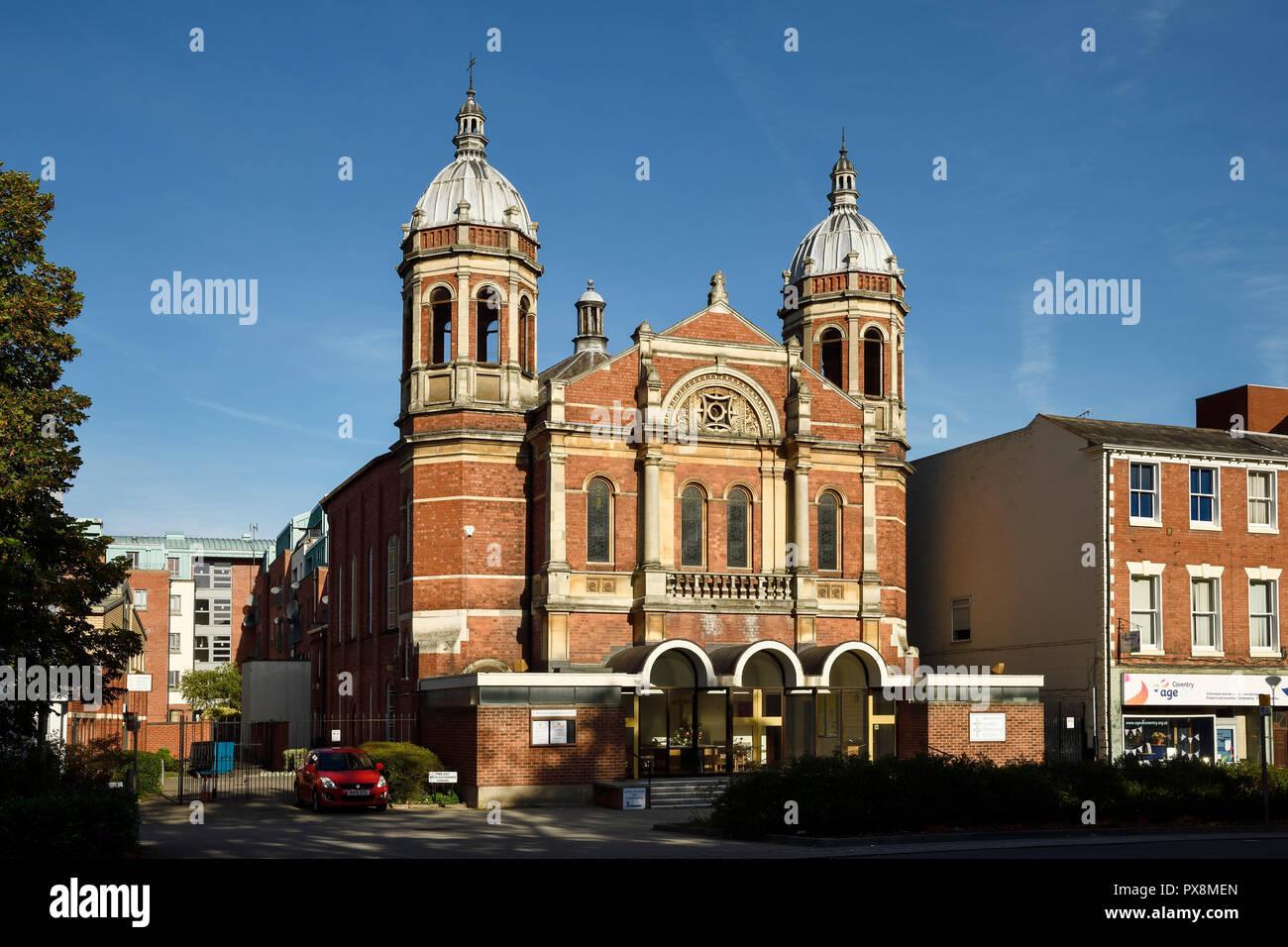 La fachada de las Naciones Iglesia Reformada en Warwick Road, en el centro de la ciudad de Coventry Reino Unido Foto de stock