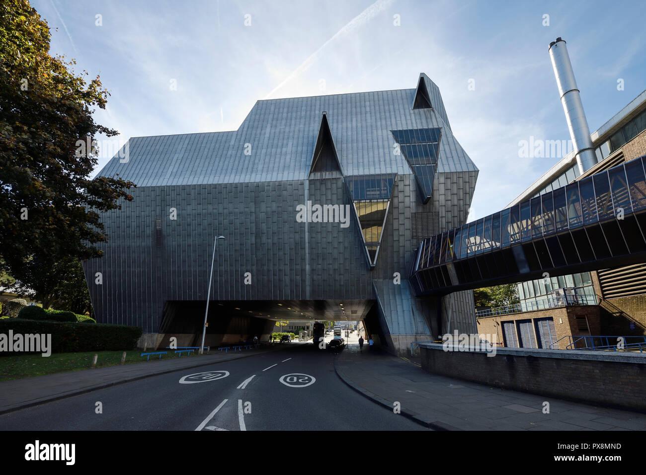 El icónico edificio elefante centro deportivo anexo sobre Cox Street, en el centro de la ciudad de Coventry Reino Unido Foto de stock