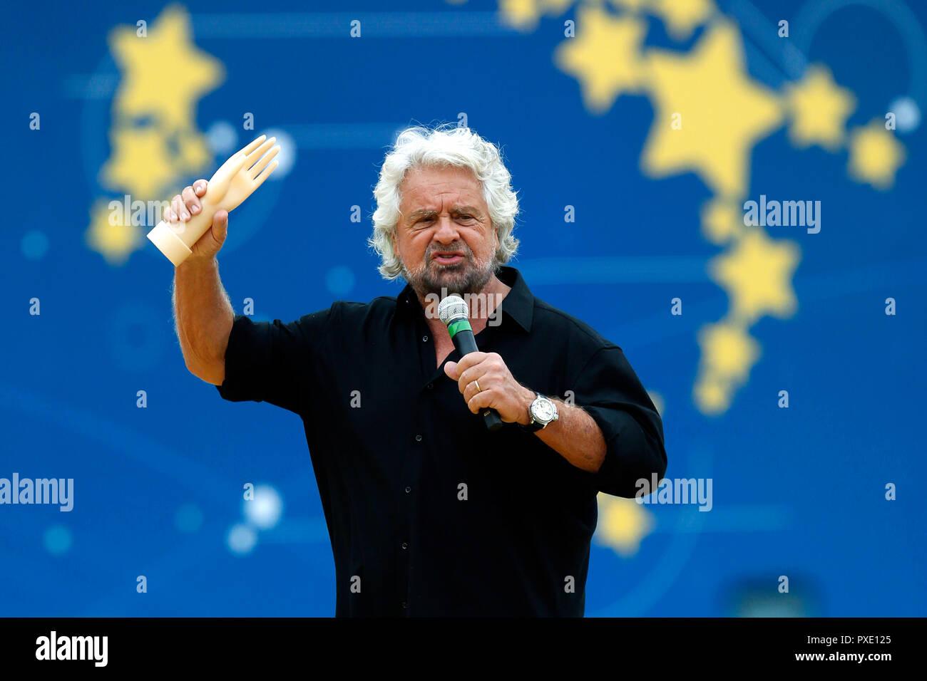 Beppe Grillo Roma 21/10/2018. El Circo Massimo. Convención evento Italia 5 Stelle. Roma, 21 de octubre de 2018. Convenio 'Italia 5 Estrellas'. Foto Samantha Zucchi Insidefoto Foto de stock