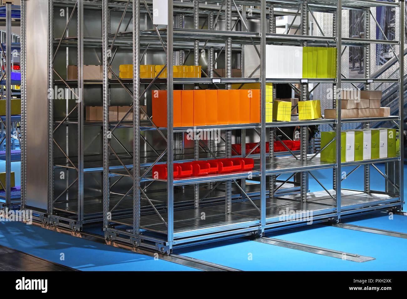 Almacenamiento En Estanterias Metalicas.Sistema De Almacenamiento En Estanterias Metalicas Moviles En El