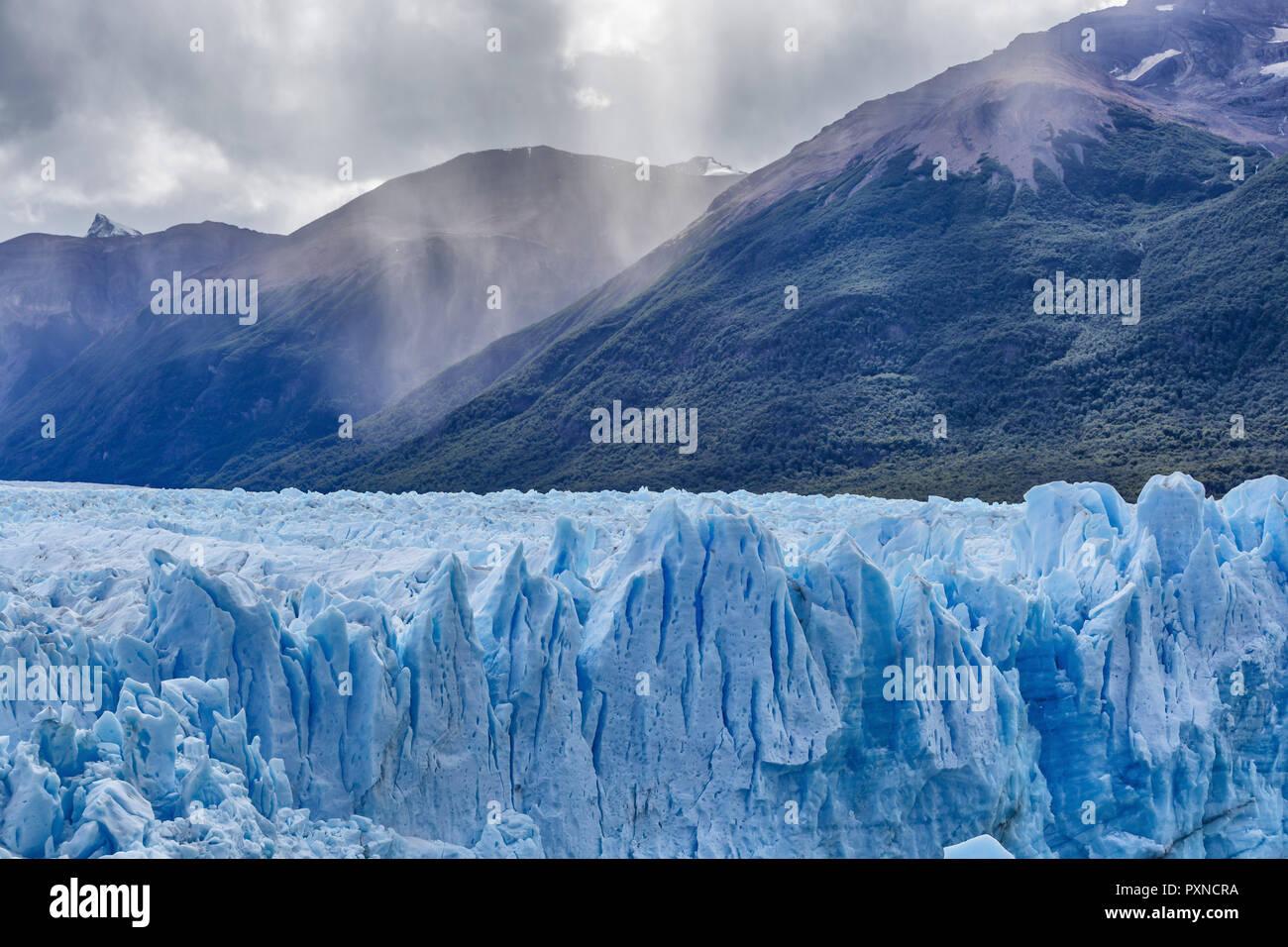 Glaciar Perito Moreno, El Parque Nacional Los Glaciares, Patagonia, Lago Argentino, provincia de Santa Cruz, Argentina Imagen De Stock