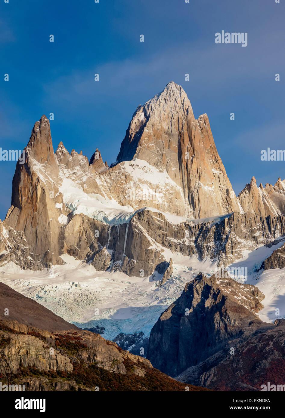 Monte Fitz Roy, el Parque Nacional Los Glaciares, provincia de Santa Cruz, Patagonia, Argentina Foto de stock