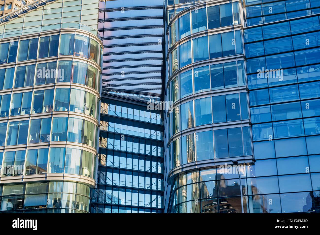 29e2888d5f Bloques de oficinas abstracto, Cardenal Place, Victoria Street, Londres,  Inglaterra Imagen De