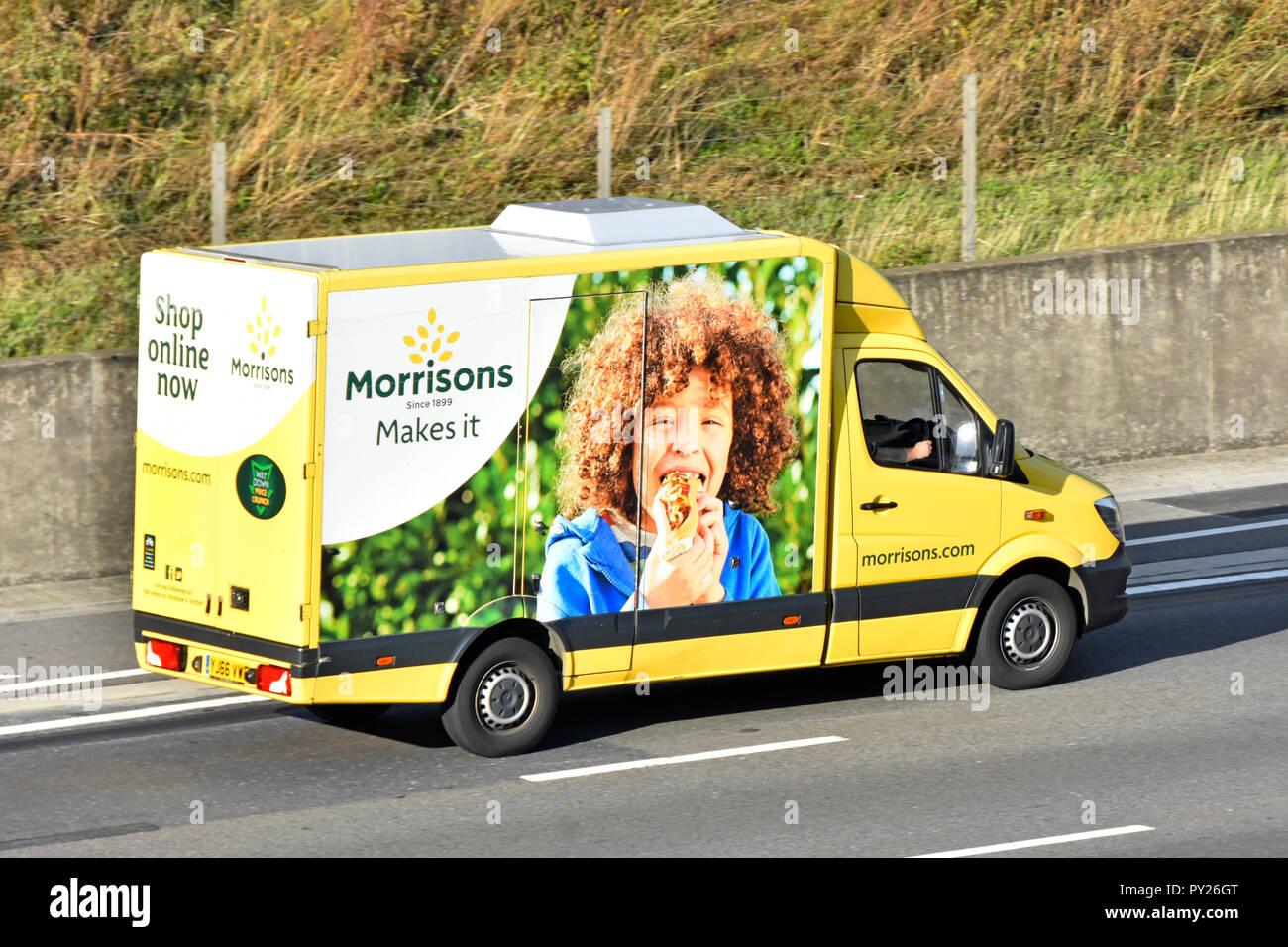 Lado de coloridos Morrisons internet supermercados supermercado de cadena de suministro de alimentos entrega van home servicio de suministro de comida compras online a clientes Essex UK Imagen De Stock