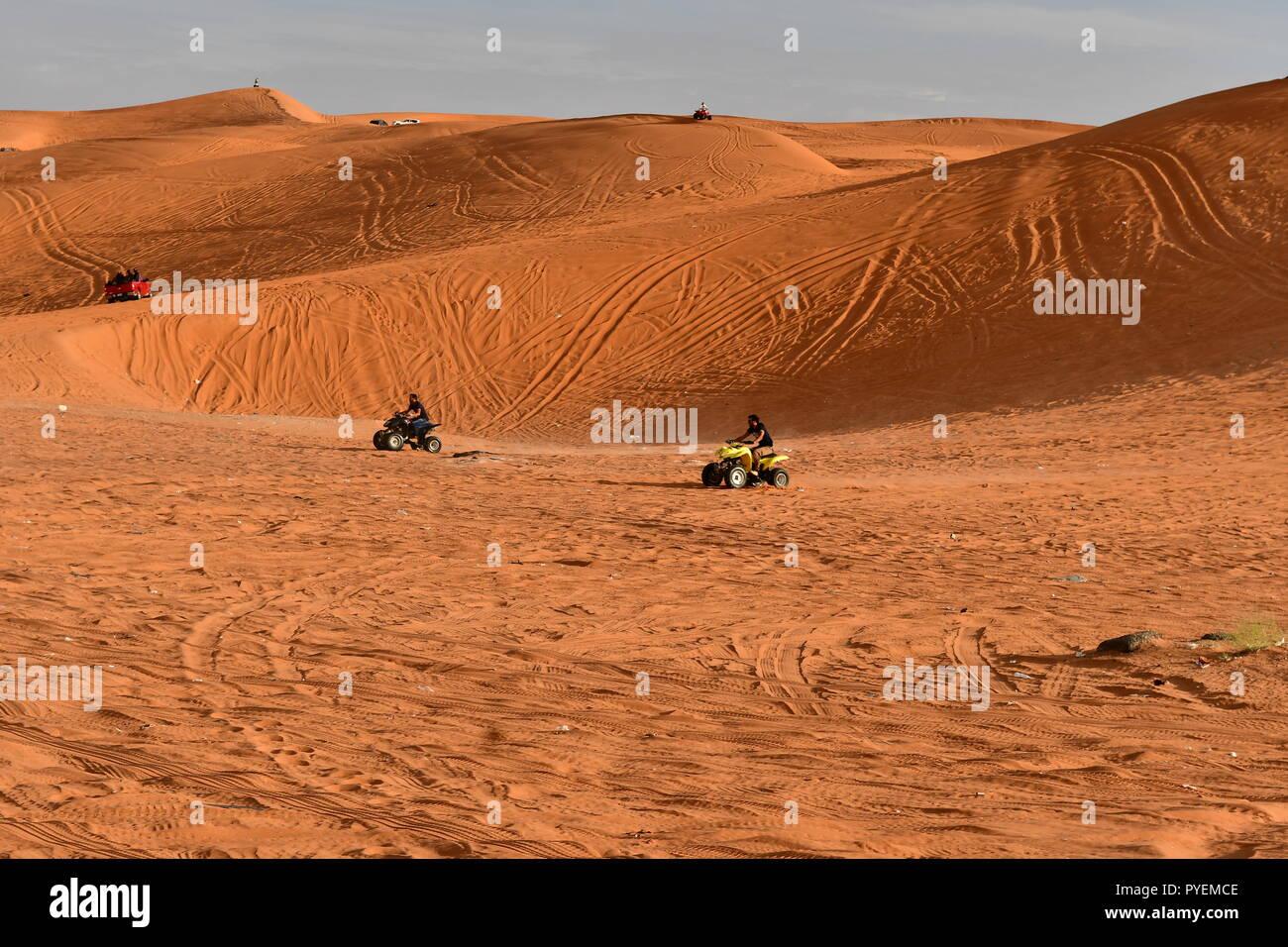 Deportes en la arena del desierto sunes Imagen De Stock