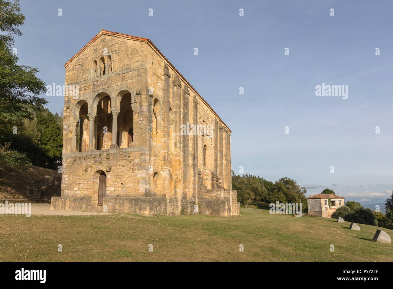 Santa María del Naranco, Oviedo, Asturias, España, Europa Foto de stock