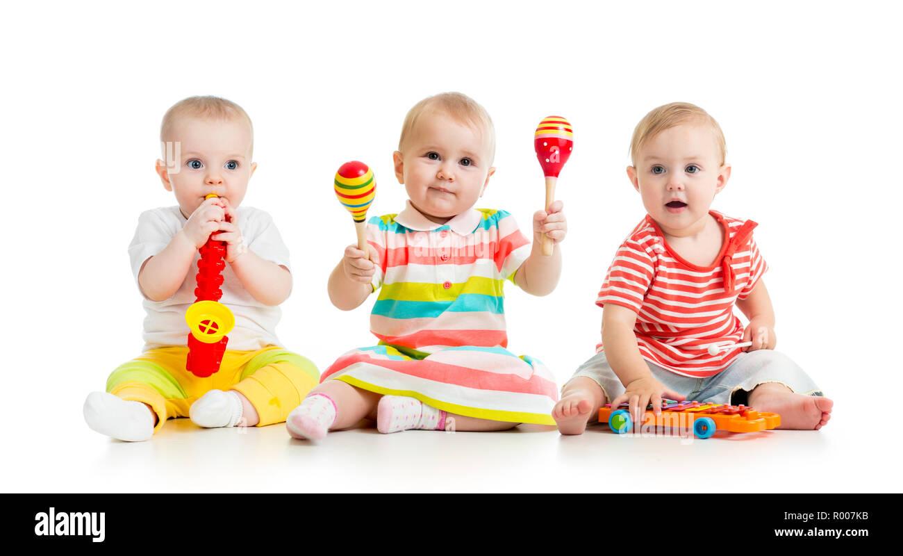 Con Juguetes MusicalesAislado Sobre Bebés Jugando Niños lFTK31Jc