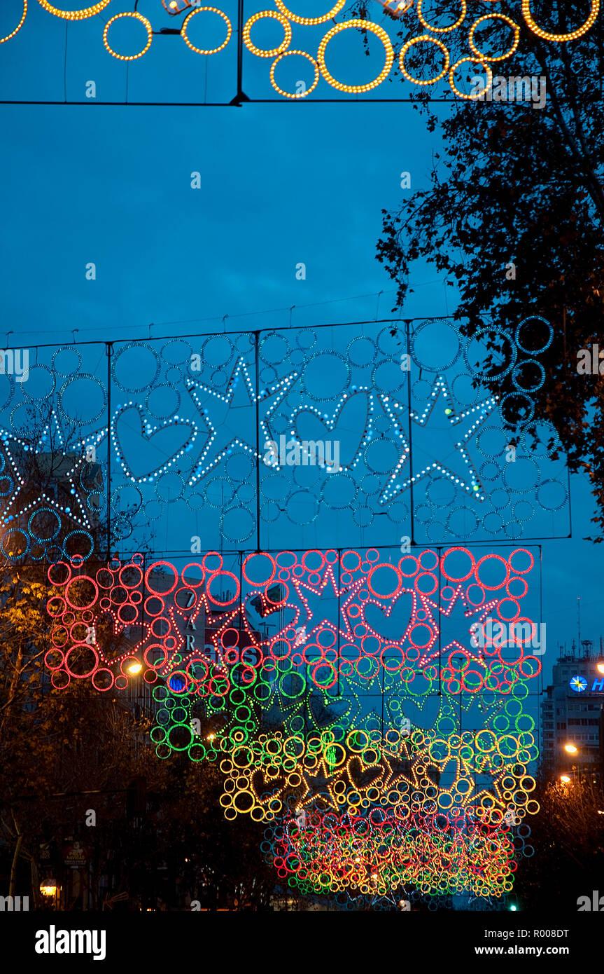 Iluminación de Navidad. La calle Princesa, Madrid, España. Imagen De Stock