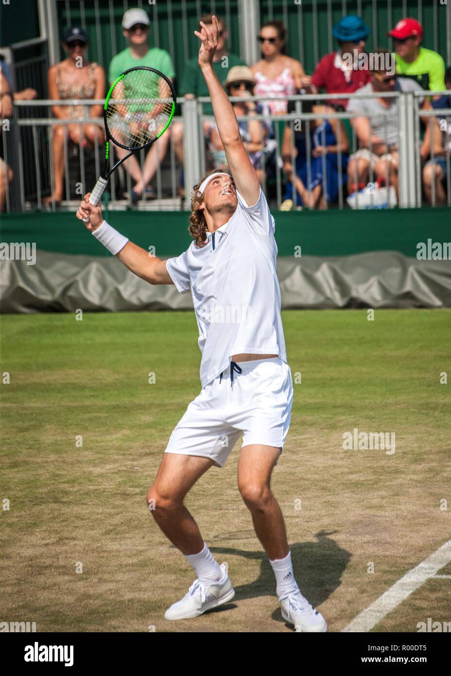 Stefanos Tsitsipas macho jugador de tenis Wimbledon 2018 Foto de stock