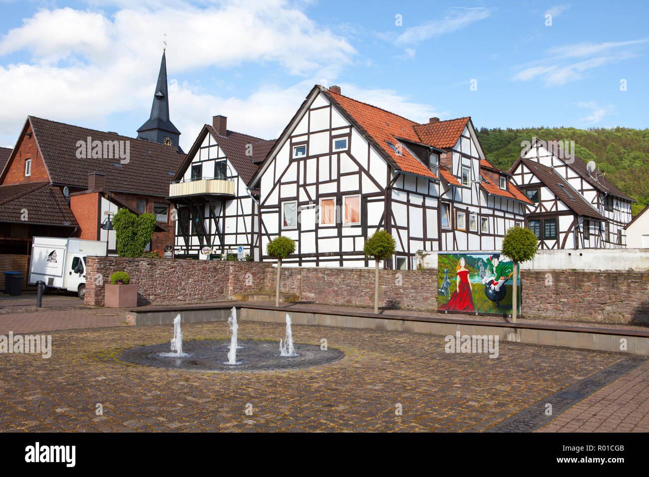 Paisaje urbano de Bodenwerder, cuna del Barón Muenchhausen, Weserbergland, Baja Sajonia, Alemania, Europa Foto de stock
