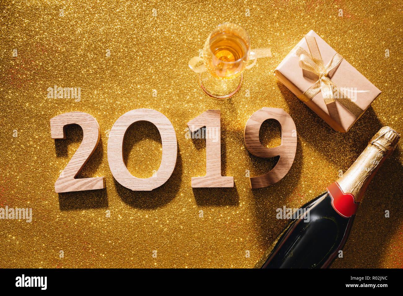 Feliz Año Nuevo Diseño Números 2019 Notepad Y Espacio Libre