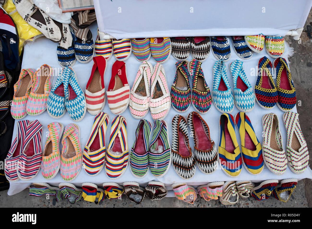 Verano Artesanal Alpargatas Calzado Para La Venta En La Calle De