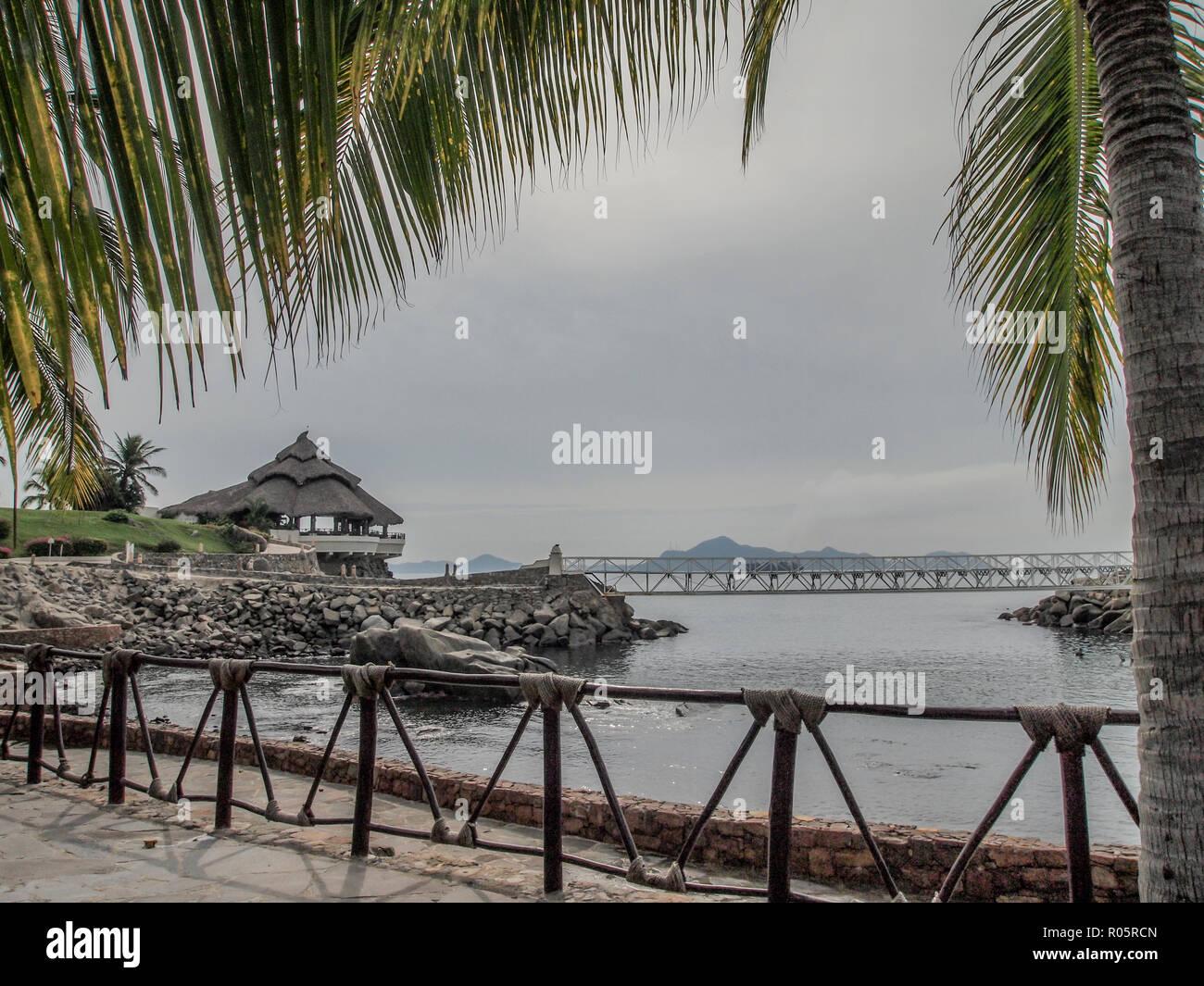 Impresionantes Vistas De La Bahía Y Con Una Terraza Sobre