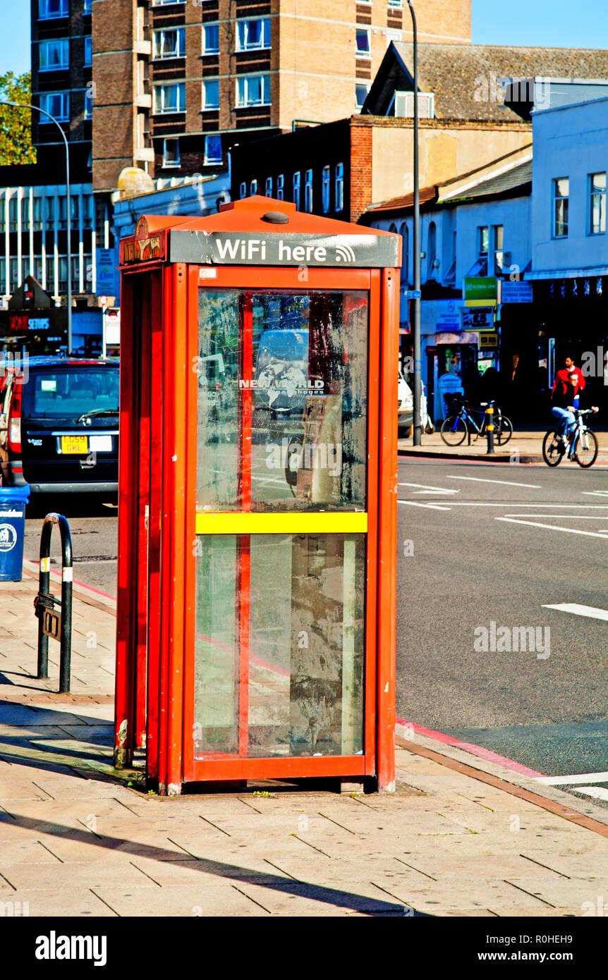 Wi Fi Booth, Catford, Municipio de Lewisham, Londres, Inglaterra Imagen De Stock