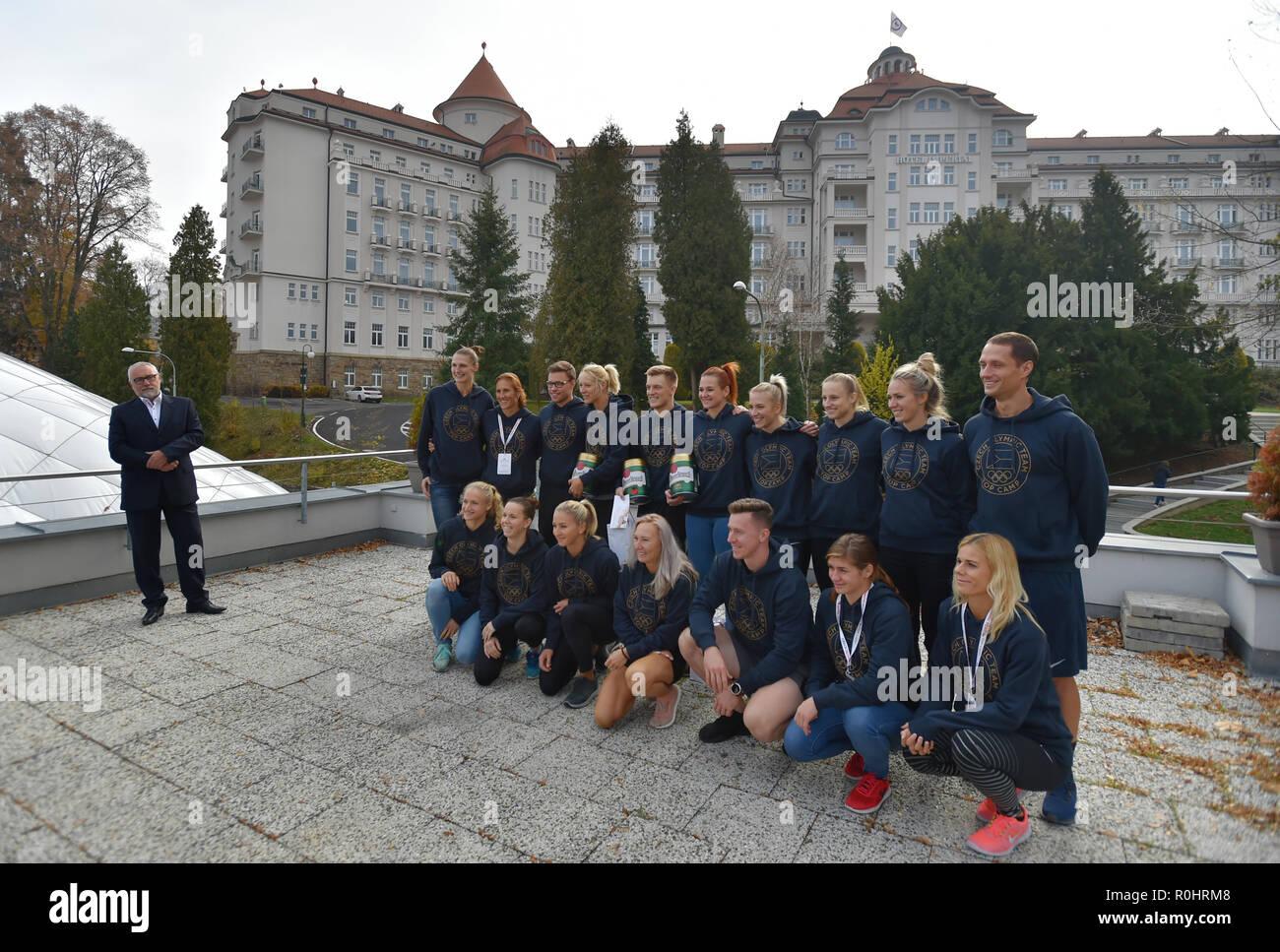 Los miembros de la República Checa sport team para los Juegos Olímpicos de Verano de Tokio 2020 traje actual colección en Praga, República Checa, 5 de noviembre de 2018. (CTK Foto/Slavomir Kubes) Foto de stock
