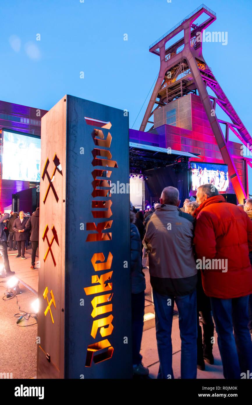 Gracias Miner, un ciudadano parte adiós a la minería de carbón en Alemania, organizada por la RAG, carbón del Ruhr AG, en 5 localidades en la cuenca del Ruhr, aquí en el Zollv Imagen De Stock