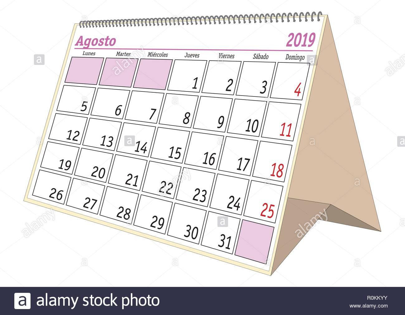 Calendario Agosto 2019 Espana.Agosto De Hoja En Una Mesa Espanola Calendario Para El Ano 2019